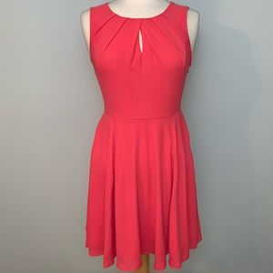 💃🏼2/$30💃🏼Express pink pleated neck dress